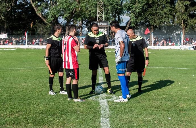 El clásico entre Unión y Atlético Sastre paraliza la noche del viernes