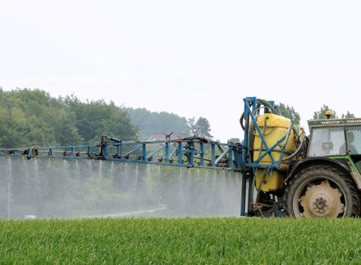 Dura crítica de ambientalistas al ministro de Salud de la provincia por los efectos de agroquímicos