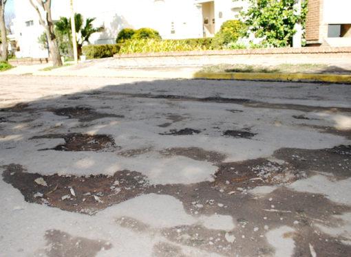 SOS Hospital: Pavimentaran calle Novatti