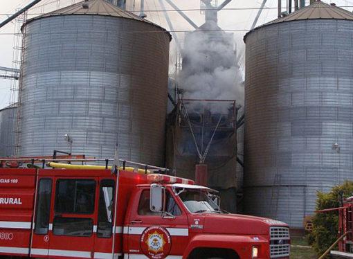 San Jorge: Cuatro dotaciones de bomberos combatieron incendio