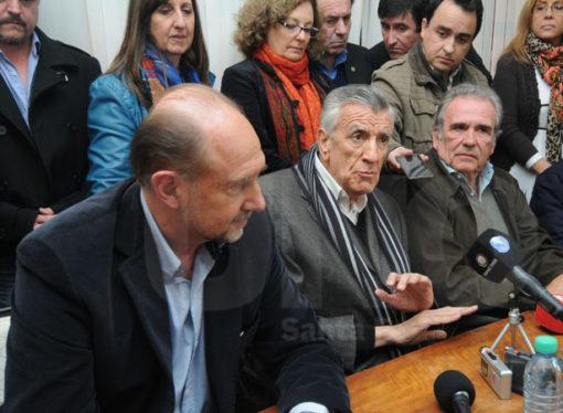 Asumió Olivera en el PJ provincial con apoyo de Scioli, Perotti y Gioja