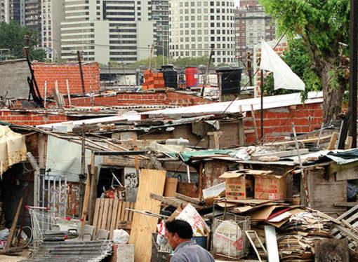 Según ONG, más de 2,7 millones de argentinos viven en villas
