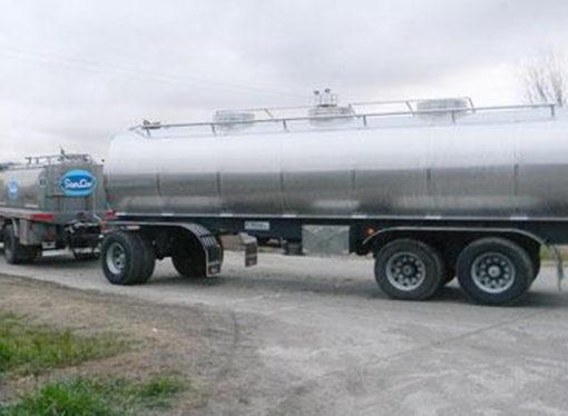 Transportistas de leche piden mesa de diálogo para no desaparecer