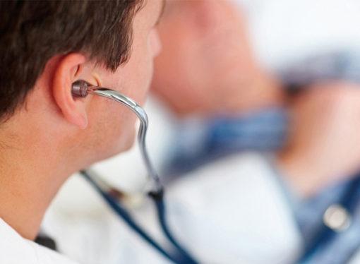 Unos 50 médicos bajo la lupa por licencias masivas a docentes