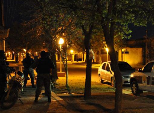 Detienen a dos personas en operativo anti droga en El Trébol
