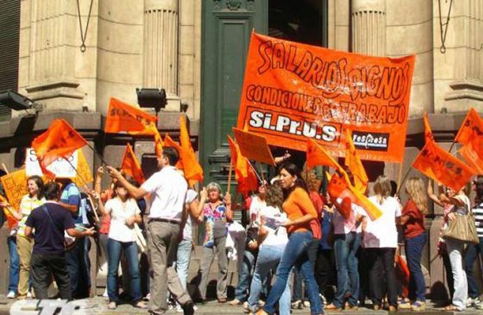 Siprus rechazó la oferta salarial del gobierno y va al paro