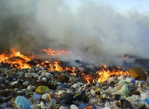 Cansados de la situación, Bomberos no asisten al basural a extinguir simples incendios