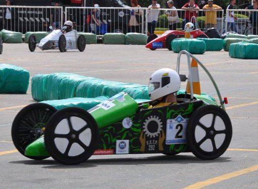 Escuela de San Vicente competirá en el mundial de carreras de autos ecológicos