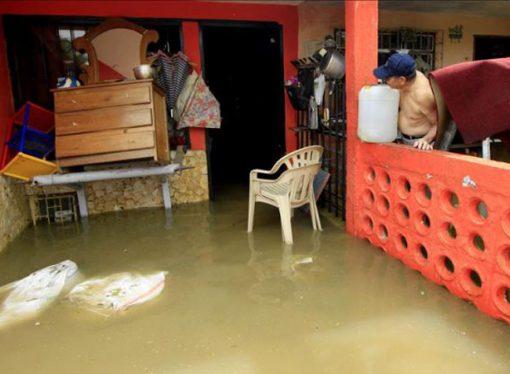 La provincia ayudará a reparar las viviendas dañadas por la inundación