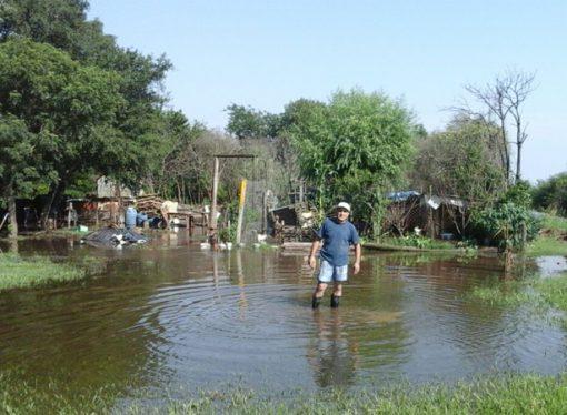 El tiempo dio un respiro y baja el agua en Barrio Belgrano