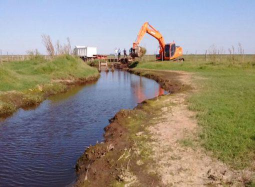 Descubren en Córdoba más de 600 canales ilegales que desagotan hacia Santa Fe