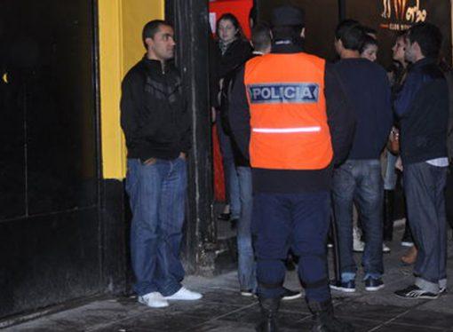 Estrictos controles en boliches para prohibir el ingreso de menores