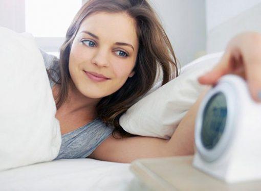 ¿Por qué algunos se despiertan justo antes de que suene el despertador?