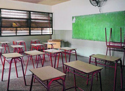 Sin clases, la provincia elabora otra propuesta salarial para los maestros