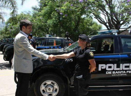 Abonan los retroactivos 2014 y 2015 para la policía de Santa Fe