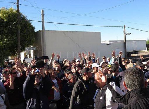 Gálvez: trabajadores de Sancor inician un paro por tiempo indeterminado