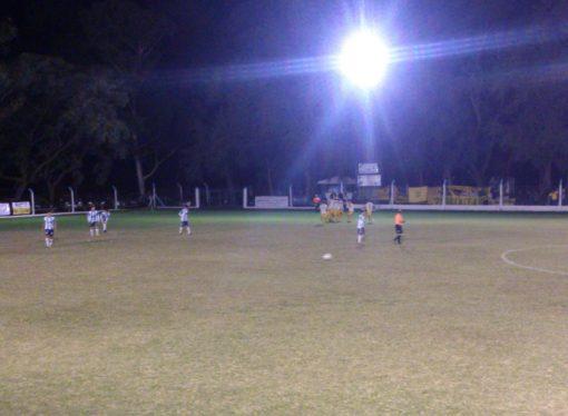 Atlético Sastre y La Emilia se mataron a goles en un parido infartante