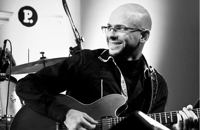 Sastre se inunda de blues con la presentación de Leo Zanco