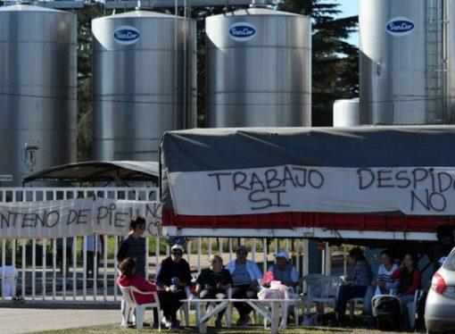 Paro general lechero por la crisis de SanCor