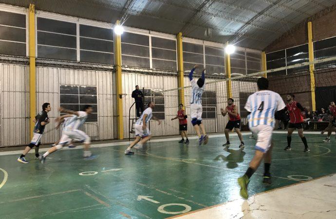 """La """"AKD"""" cayó ante El Expreso y espera rival en playoff"""
