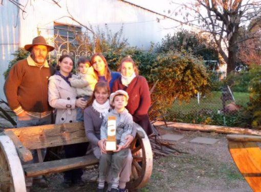 La familia de la región que desafía el éxodo rural