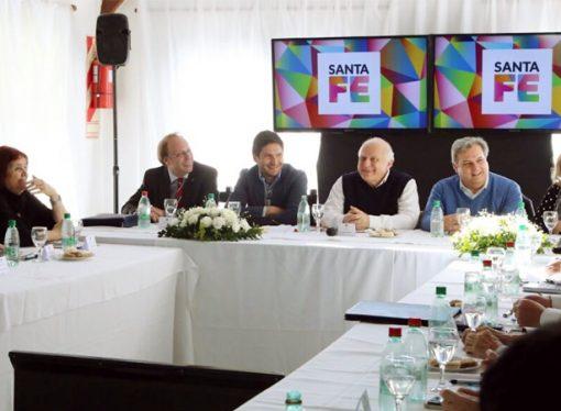 Lifschitz pidió al Gobierno nacional que apoye a las economías regionales y las pymes