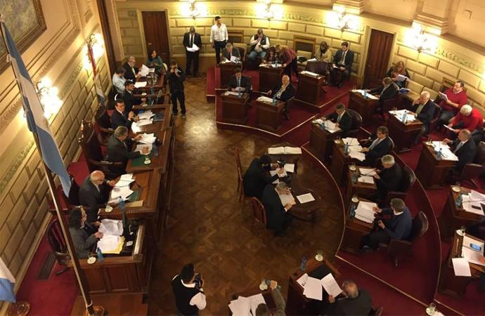 La carrera para el futuro Senado: 197 aspirantes a 19 bancas