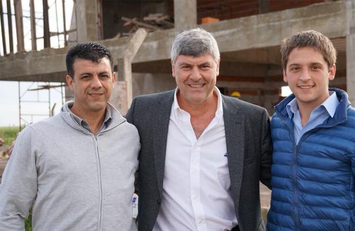 Buryaile pasó por El Trébol y mostró su apoyo a los candidatos de Cambiemos