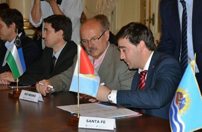 Santa Fe firmó convenio con Nación por el derecho a la identidad