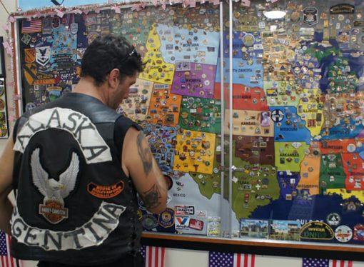 Pasión por los fierros: con 26 años unió Alaska y Argentina en moto