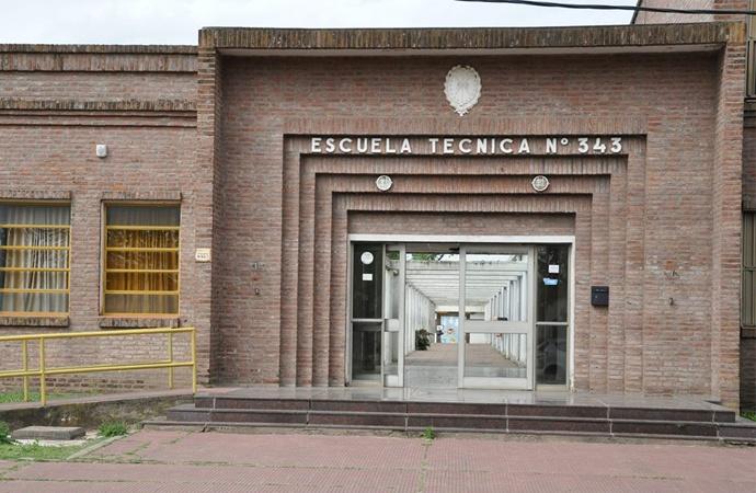 Escándalo en escuela de El Trébol: Modifican notas y aprueban a 11 alumnos aplazados