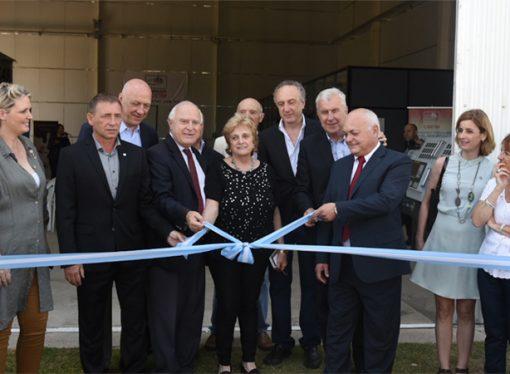 Lifschitz inauguró nueva nave de diseño en Las Parejas