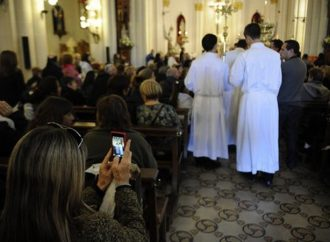 Se destinan $ 13 millones al año para mantener a 26 sacerdotes