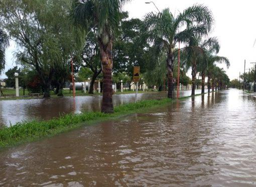 San Vicente: Llovieron más de 100 milímetros en una hora y hay evacuados
