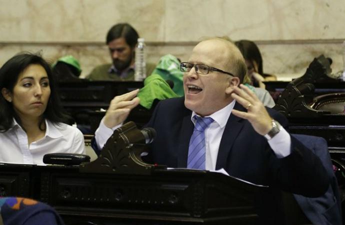 """""""Los que me quieren linchar, que me linchen"""", dijo Contigiani en el Congreso"""