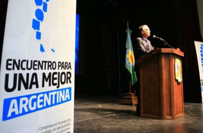 "Miguel Ángel Pichetto se lanzó como candidato a presidente con críticas a Macri y Cristina: ""Ambos fracasaron"""