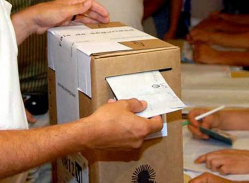 A un mes de las elecciones los candidatos salen a pescar los 700.000 votos sin dueño