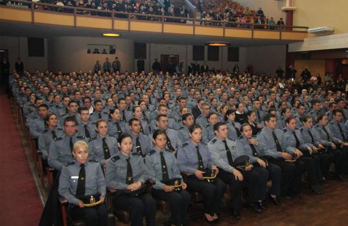 Más de diez mil aspirantes a policía para mil vacantes en Santa Fe
