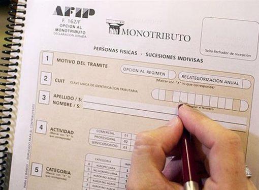 Los monotributistas podrán pagar con débito automático