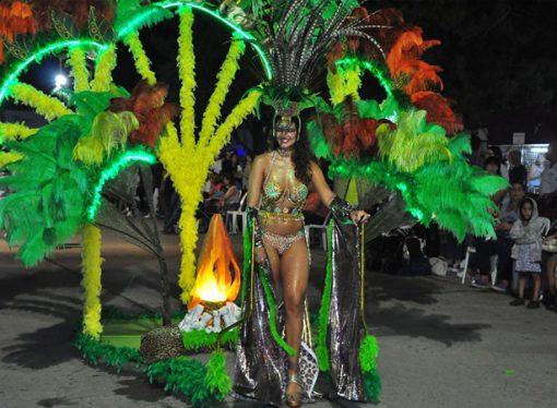 No descartan organizar una cuarta noche de carnavales