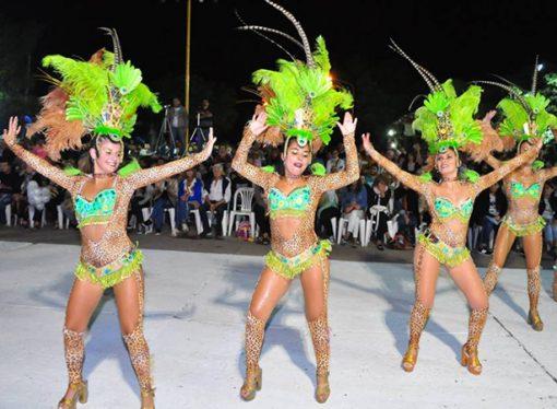 Unas 6.000 personas presenciaron la segunda noche de los Carnavales en Sastre