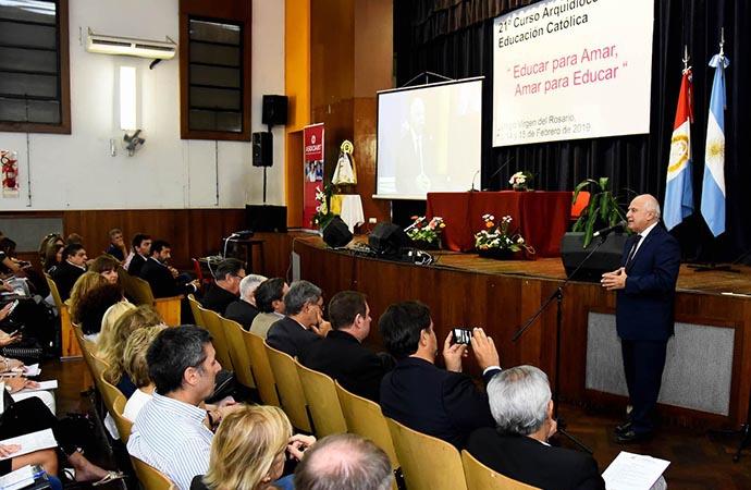 """""""La educación es la única herramienta para un futuro mejor"""", aseguró Lifschitz"""
