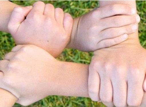 Buscan una familia para cuatro hermanitos que no quieren separarse