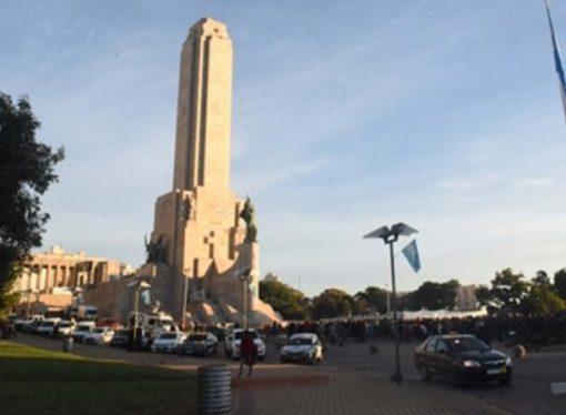 Rosario vivió el Día de la Bandera con ceremonias atípicas y para el olvido