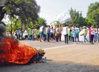 La provincia apura medidas para descomprimir la crisis en las comunas