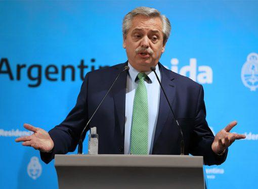 """Fernández dijo que """"no quisiera llegar al estado de sitio"""" porque """"hablaría muy mal de la sociedad argentina"""""""