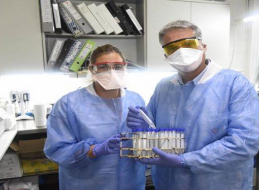 El laboratorio del Cemar recibe y procesa unas 50 muestras por día