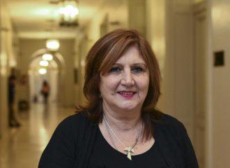 """Para la ministra de Educación, la vuelta a clases será """"después de julio"""""""