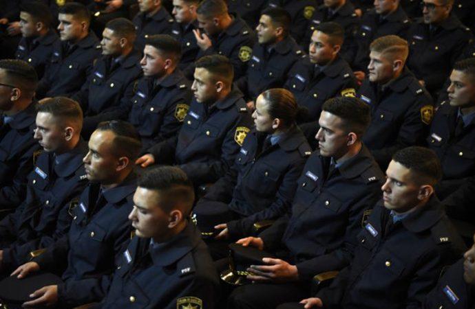 Más de 14 mil inscriptos para cubrir 1.600 vacantes en la policía provincial