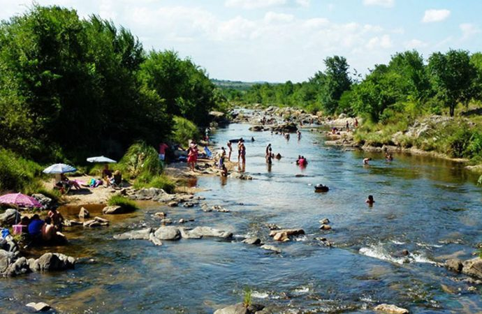 Las provincias de mayor afluencia turística no requerirán cuarentena y ni test previos en verano